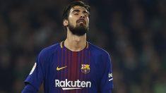 André Gomes se lamenta en un partido con el Barça. (Getty)
