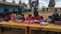 Trabajos en el Centro Educativo Caserío San José, en Perú.