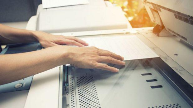Cómo escanear documentos y fotografías