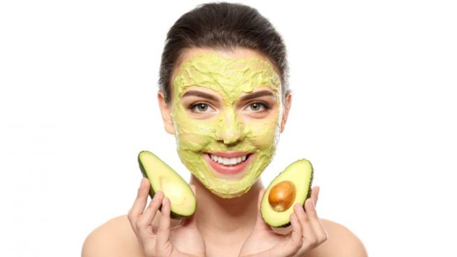 hacer mascarilla aguacate