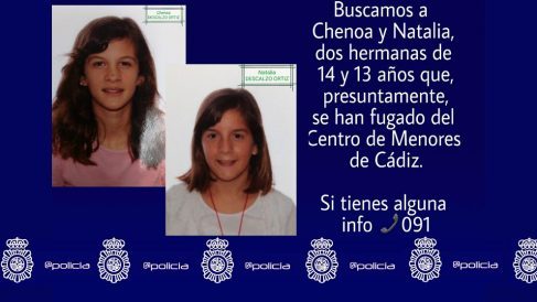 Cartel de la Policía Nacional en busca de Chenoa y Natalia, dos hermanas fugadas de un centro de menores de Cádiz.