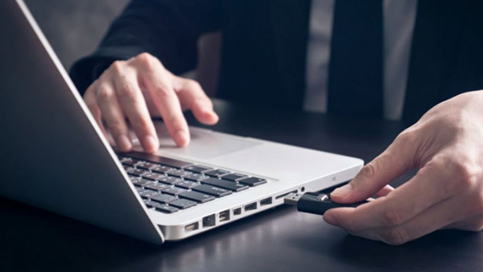 Todos los pasos para saber cómo formatear un USB en un ordenador Mac.