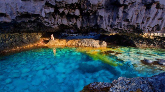 Conoce la isla del hierro la m s peque a de las canarias for Piscinas naturales cantabria