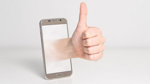 Una encuesta de la OCU revela que el 88% de los usuarios acepta los términos y condiciones en internet sin ni siquiera leerlos