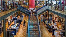 Las ventas minoristas caen en Cataluña y se disparan en Madrid en agosto.