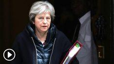 Theresa May, primera ministra de Reino Unido, a las puertas de Downing Street. (AFP)