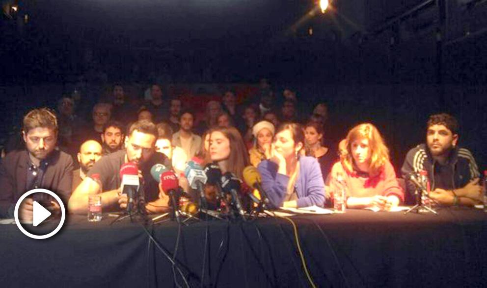 El condenado por enaltecimiento del terrorismo Valtonyc, junto a otros activistas, entre ellos Marcel Mauri (Òmnium).