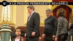 Juan José Cortés y Juan Carlos Quer a la entrada del Congreso. (Foto: Francisco Toledo)