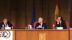 El magistrado Enrique López, el director de OKDIARIO, Eduardo Inda y el presidente de la Sala Segunda del Tribunal Supremo, Manuel Marchena, en el World Summit Detectives WSD 2018.