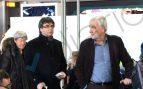 Suiza da trato de autoridad a Puigdemont: un coche esperaba al prófugo a pie de pista en Ginebra
