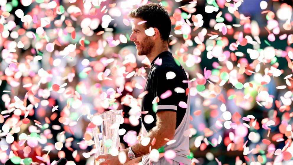 Del Potro, con el trofeo de campeón de Indian Wells. (AFP)
