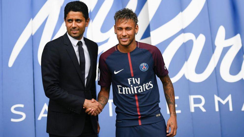 Neymar y Al Khelaifi, el día de su presentación.