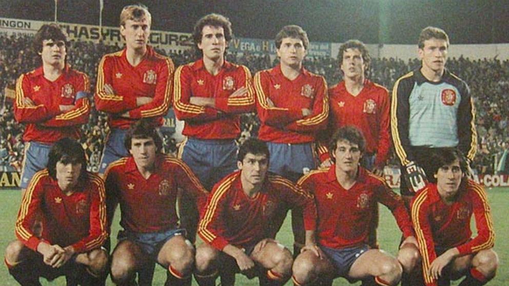 Los jugadores de España antes de medirse a Malta.