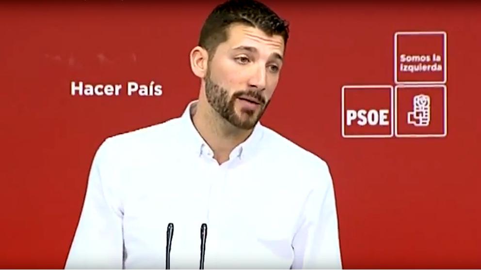 Omar Anguita presenta el «plan de rescate juvenil» del PSOE.