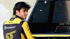 Carlos Sainz acabó con el gesto torcido en Australia. (Getty)