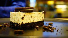 Receta de Mousse de Oreo con base de galletas paso a paso