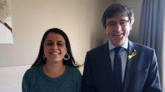 Los prófugos Anna Gabriel (CUP) y Carles Puigdemont (JxCat), reunidos en Suiza antes de la conferencia del ex president.
