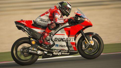 El escaso rendimiento de Jorge Lorenzo sobre la Ducati podría hacer que el equipo italiano no le renovase el contrato, un extremo que no obstante todavía se encuentra bastante lejos. (Getty)