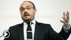 Alejandro Fernández, diputado del PP en el Parlament. (Foto: EFE)