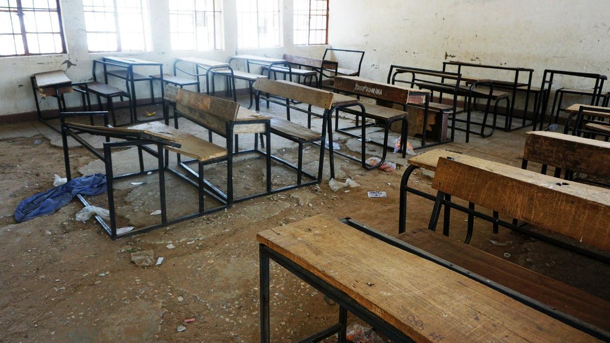 Una de las aulas de la aldea nigeriana de Dapchi tras el secuestro masivo de chicas por parte de los terroristas islámicos de Boko Haram. Foto: AFP