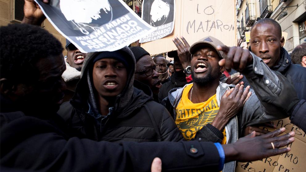 Protestas en Lavapiés. (Foto: EFE)