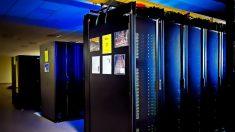 Los mainframe son grandes computadores centrales.