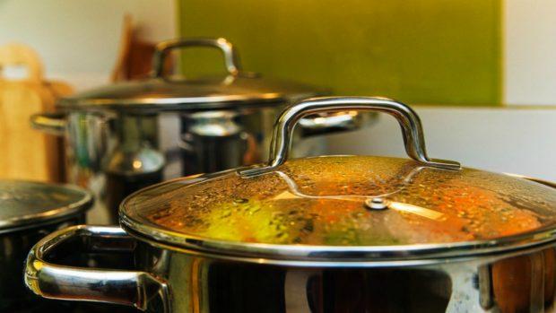Receta de oreja de cerdo en salsa un guiso tradicional for Cocinar oreja de cerdo