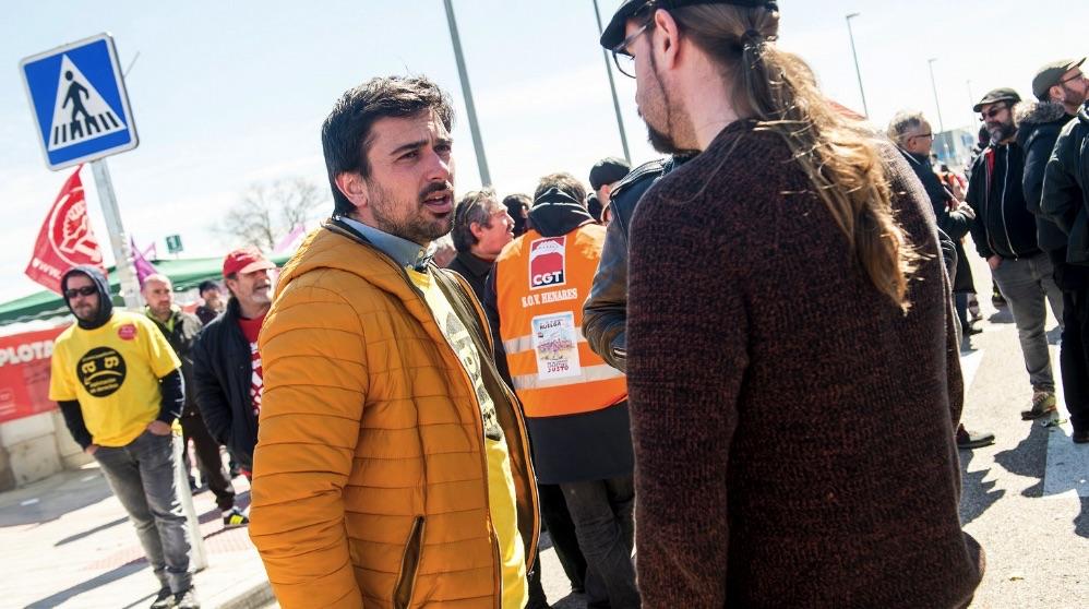 Ramón Espinar apoyando una huelga. (Foto. Flickr)