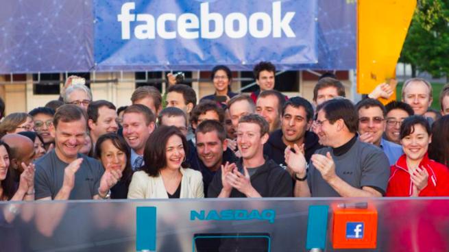 La cúpula de Facebook vendió 1.300 millones de dólares en acciones antes del escándalo