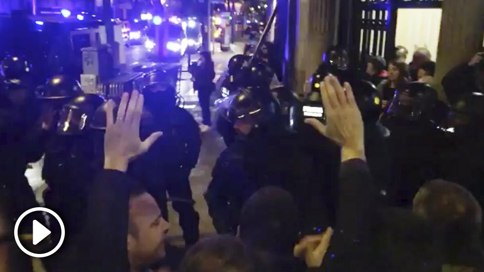 Cargas de los mossos a los manifestantes