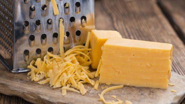 Bolitas de queso y chorizo
