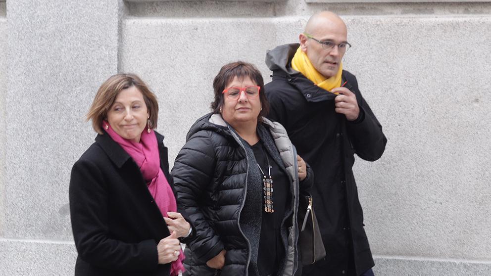 Carme Forcadell, Dolors Bassa y Raül Romeva a su llegada al Tribunal Supremo. (Foto: Francisco Toledo)
