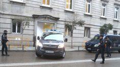 Fugón policial para trasladar presos.