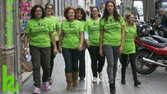 Varias mujeres que forman parte del colectivo de 'Las Kellys' , de limpiadoras del hogar y camareras de habitación.