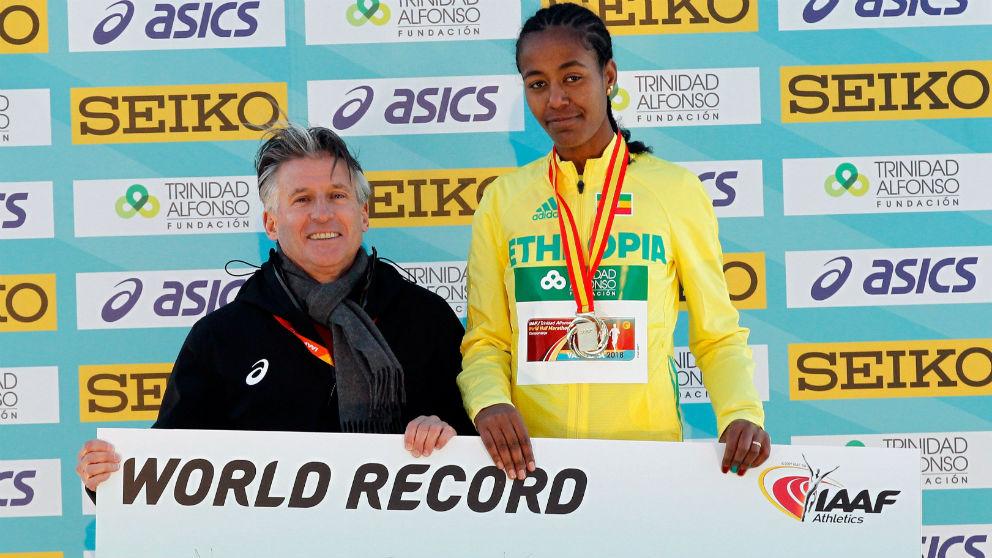 Kebede, campeona femenina de la media maratón de Valencia. (EFE)