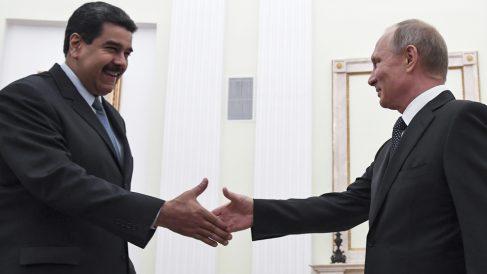 Nicolás Maduro y Vladimir Putin. (Foto AFP)