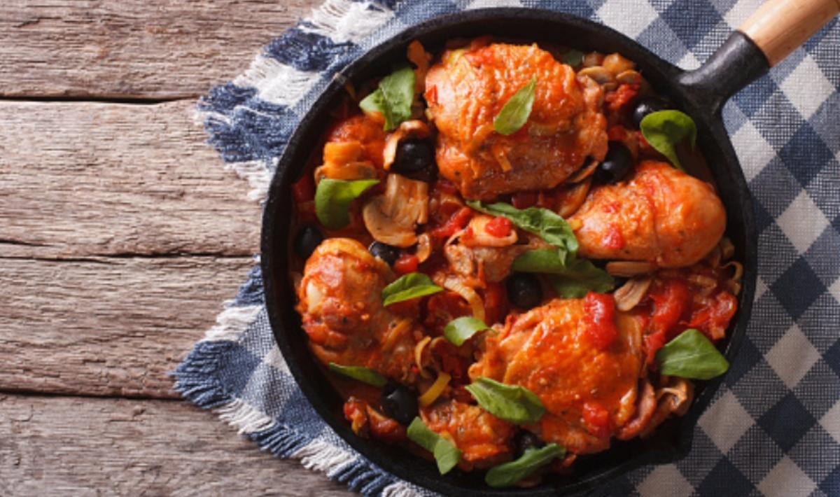 Pollo con tomate, receta de la abuela fácil de preparar