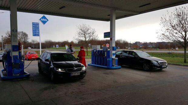 Puigdemont viajaba en un Renault belga y fue detenido cuando repostaba en una gasolinera