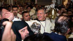 Antonio Banderas acude a la cita anual de Semana Santa con su cofradía de María Santísima de Lágrimas y Favores de las Reales Cofradías Fusionadas. Foto: EFE