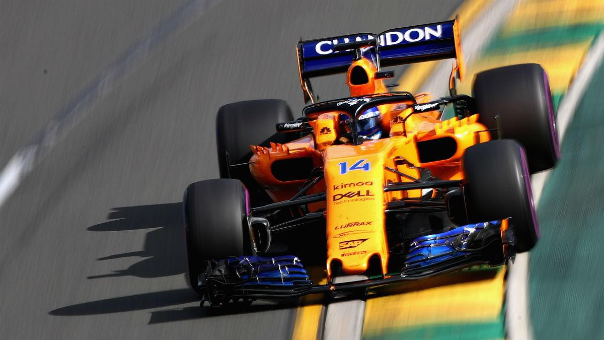 El McLaren de Fernando Alonso recibirá pronto una serie de actualizaciones que le permitirán mejorar su rendimiento, según asegura Eric Boullier. (Getty)