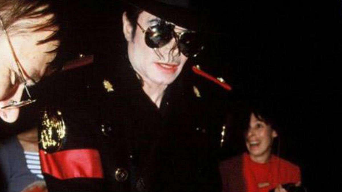 Michael Jackson, conocido como el Rey del Pop.