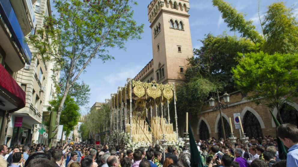 Consulta el itinerario y horario de las procesiones del Lunes Santo en Sevilla 2018