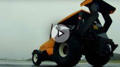 Los chicos de Top Gear han demostrado que un tractor también puede ser muy rápido, hasta el punto de batir el récord Guinness en este sentido.