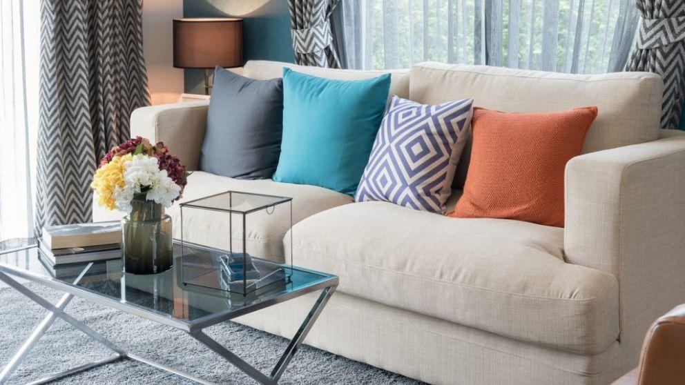 C mo tapizar un sof paso a paso y darle una segunda vida - Como tapizar un sofa en casa ...