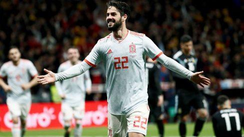 Isco celebra un gol con España. (EFE)