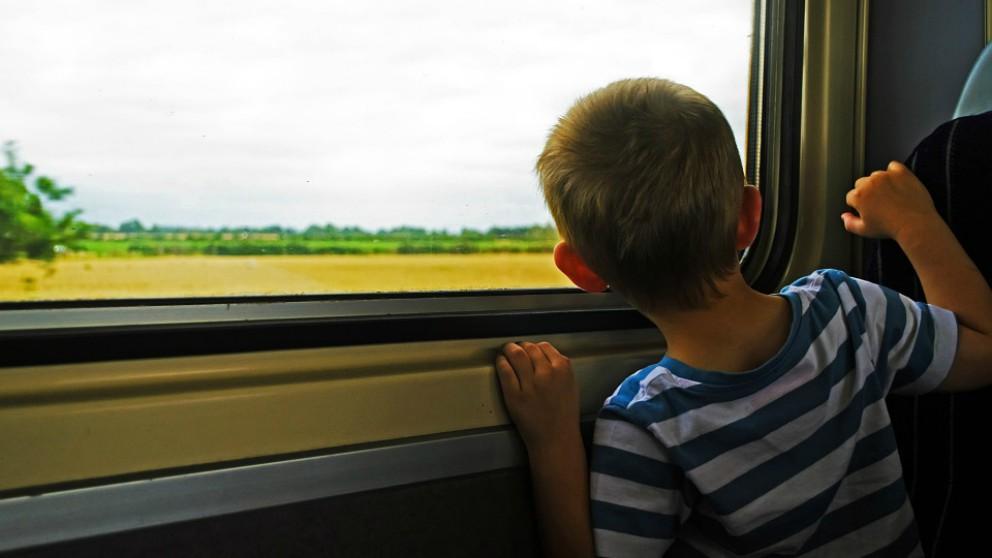 Los mejores consejos para viajar en tren con los niños
