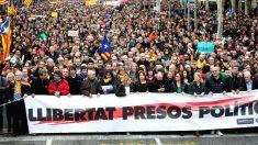 Un momento de la manifestación convocada el pasado jueves por la ANC en protesta por la detención hoy en Alemania del expresidente de la Generalitat Carles Puigdemont
