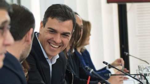 Pedro Sánchez con la cúpula del PSOE. (Foto. TW)