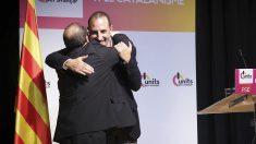 Abrazo entre Miquel Iceta y Ramon Espadaler. (Foto: PSC)