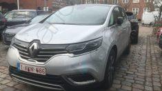 Renault Espace en el que viajaba Carles Puigdemont cuando fue detenido. (Foto: OKDIARIO)
